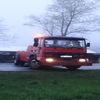 Ciężarówka wylądowała w rowie