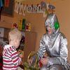 Rodziny zastępcze z powiatu mławskiego bawiły się na pikniku z magikiem