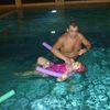 Pierwszaki z Bisztynka uczą się pływać