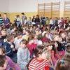 Uczniowie ZS odkrywają swego patrona ks .Jana Twardowskiego