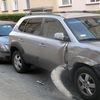 Pijany kierowca uszkodził kilka aut i dwa budynki