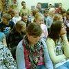 Spotkanie pisarza Kazimierza Szymeczki z dziećmi w bibliotece w Iławie