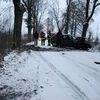 Wypadek pod Biskupcem na zaśnieżonej drodze