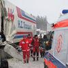 Autobus zderzył się z ciężarówką