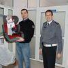 Fotelik dla Sandry od ełckich policjantów