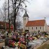 Kościół i cmentarz w Leginach