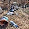 Dziki śmietnik w okolicach ul. Brzozowej i Skłodowskiej-Curie
